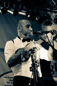 el_bastardo_outlaw_picker_ukulele